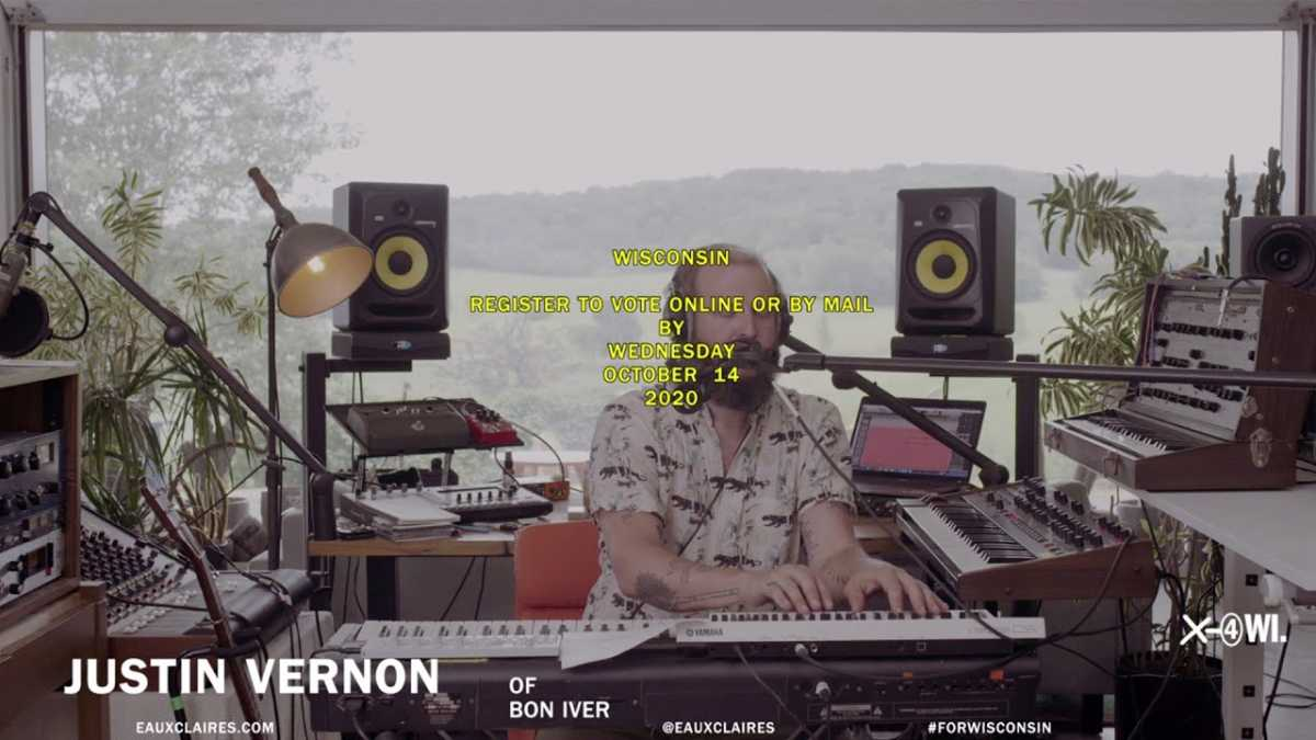 """Bon Iver """"22 (OVER S∞∞N)"""" – Late Show #PlayAtHome"""